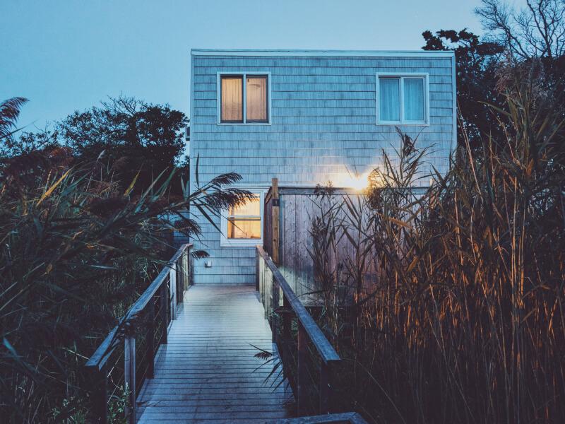 Modernes und abgelegenes Haus